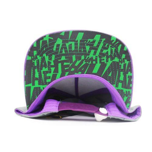 cappello con visiera joker dc comics dettaglio sotto visiera